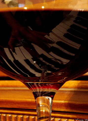 Enchanting... Wine and piano